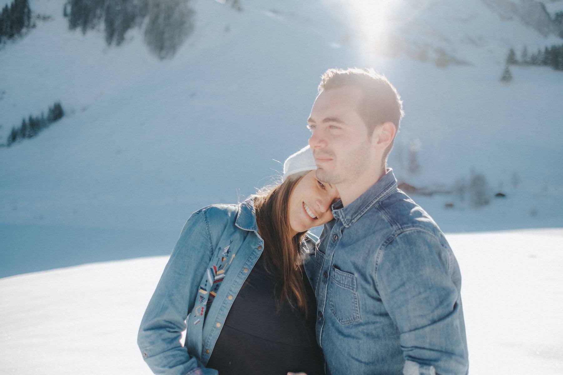 Photographe lifestyle famille maternite annecy la clusaz